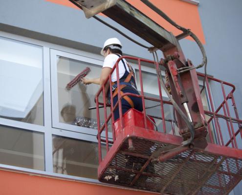 Fensterreinigung - Depositphotos_12008691_l-2015